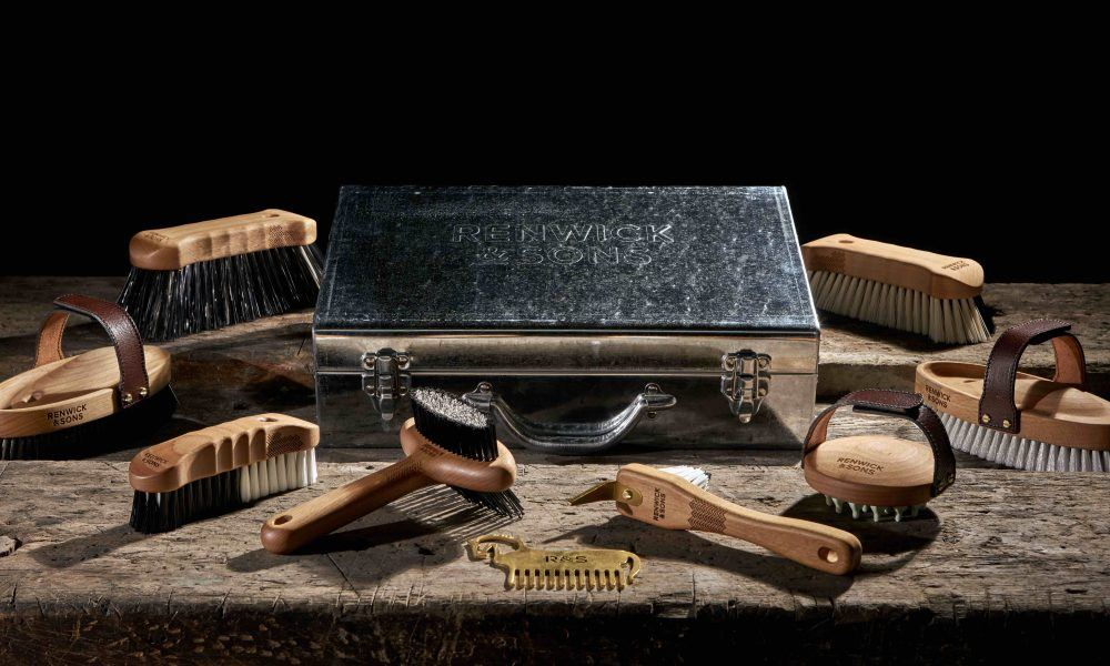 The Renwick & Sons grooming kit, as suggest by the MirrorMePR equine team